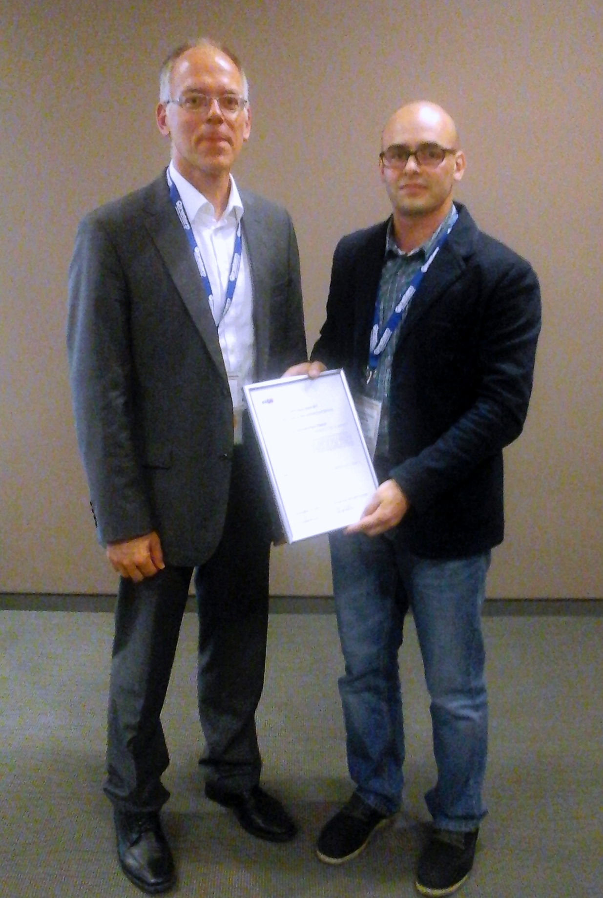 receiving the award from Thomas Nolte 2